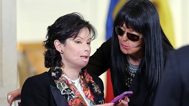 Foto: abc.es / Natalia Ponce de León (i) y Patricia Espitia.